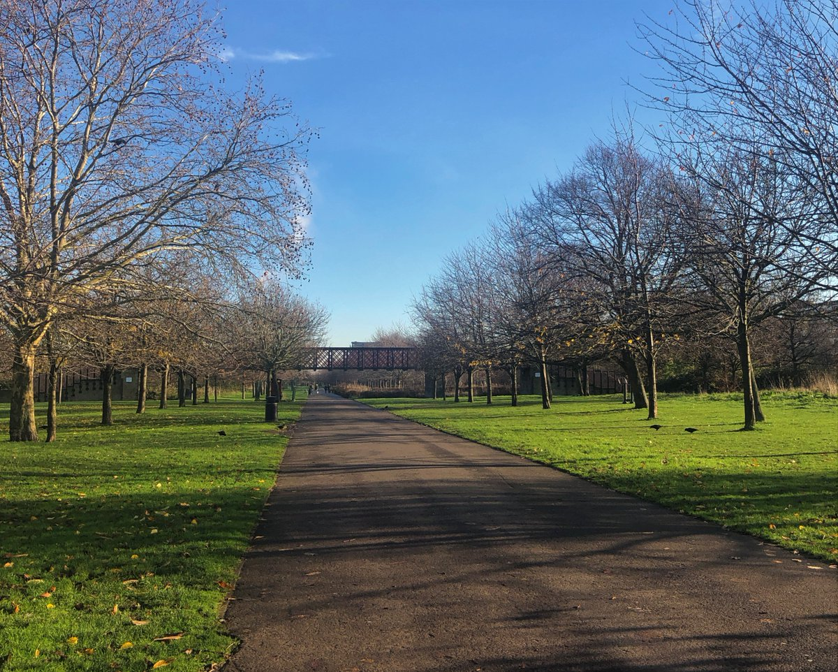 Last week we had a fantastic Walk'n'Talk with the @silverfitorg team in Burgess Park. Glorious sunshine and competitive walkers made for a great morning! #WalknTalk #silverfit #quizmasters