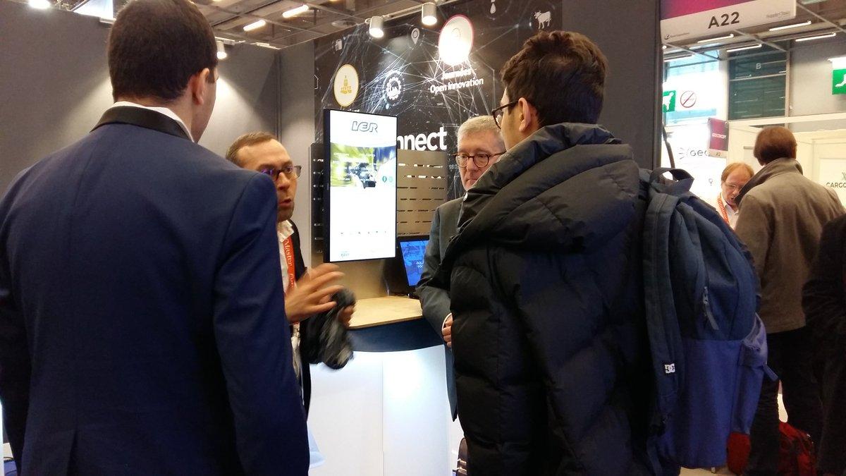 Image for the Tweet beginning: Quand #IoT rencontre la #supplychain...l'équipe