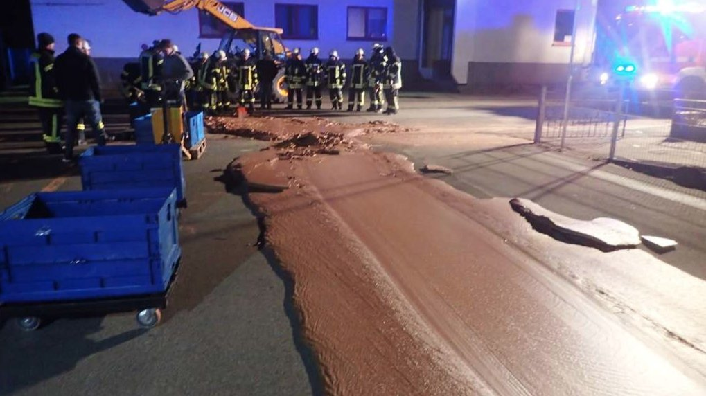 Yum! Melted chocolate covers the streets in a German town after a chocolate factory leak.  Read more on the story via @business https://t.co/nhSHrrIDQZ