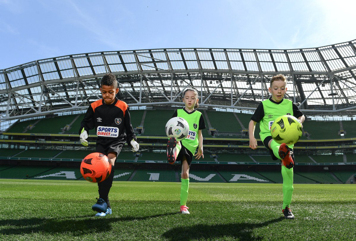 Applications are now open for coaching positions on the 2019 Sports Direct FAI Summer Soccer Schools.  Full details:  https://www. fai.ie/domestic/news/ fai-summer-soccer-schools-coach-applications-open &nbsp; …  #Grassroots<br>http://pic.twitter.com/2iUMeTii3Z