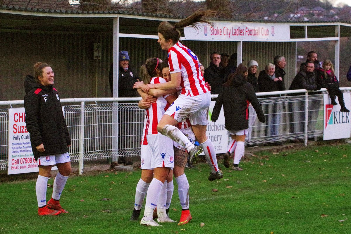 📝 @scfc_ladies came out victorious in a nine-goal thriller with Leeds United to reach the FA Women's National Cup Quarter-Finals at the weekend.  Report ➡️ https://www.stokecityfc.com/news/ladies-reach-last-eight …  #SCFC 🔴⚪️