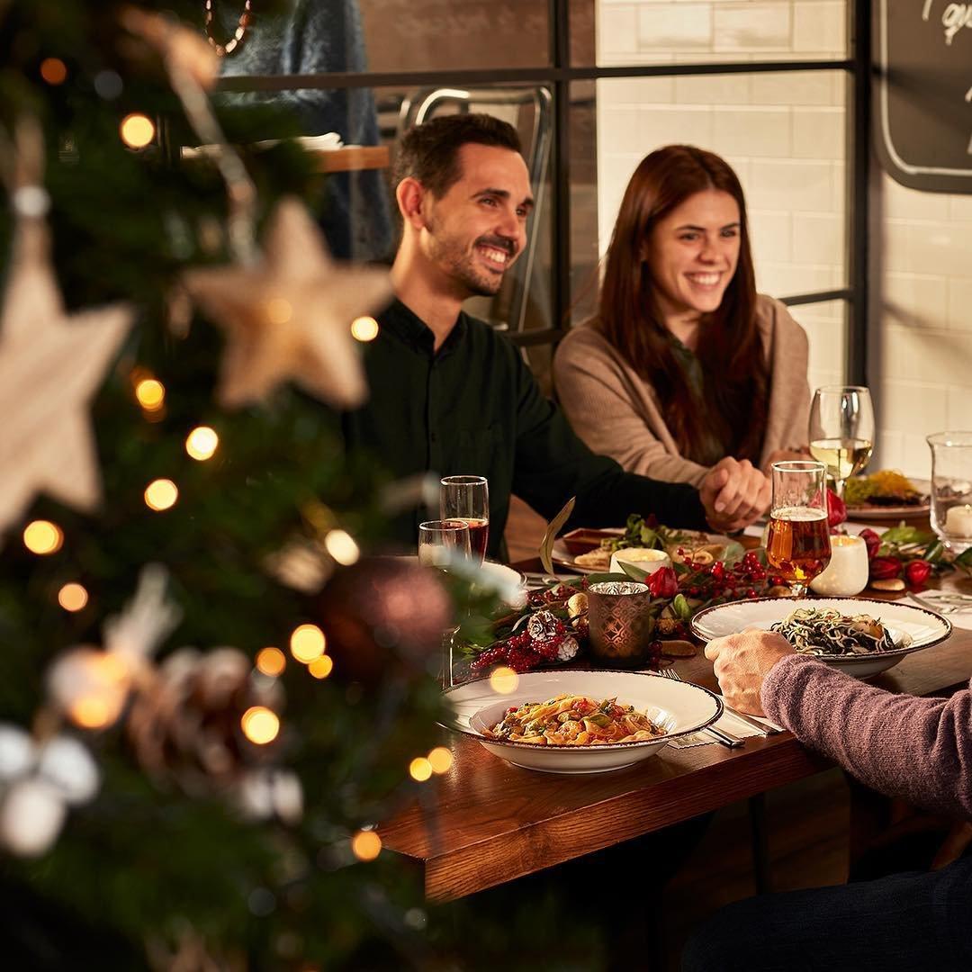 Días de celebrar en familia o con amigos ¡Descubre los menús especiales para grupos de nuestros #restaurantes! ➡️  https://t.co/8m4vrARNM5  @GinosRistorante @VIPS @tommymels @RodillaGU https://t.co/G33eRjDxFO