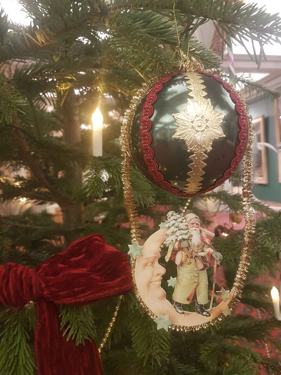 Victorian Christmas Tree.Guildhallartgallery On Twitter Who Has Seen Our Beautiful
