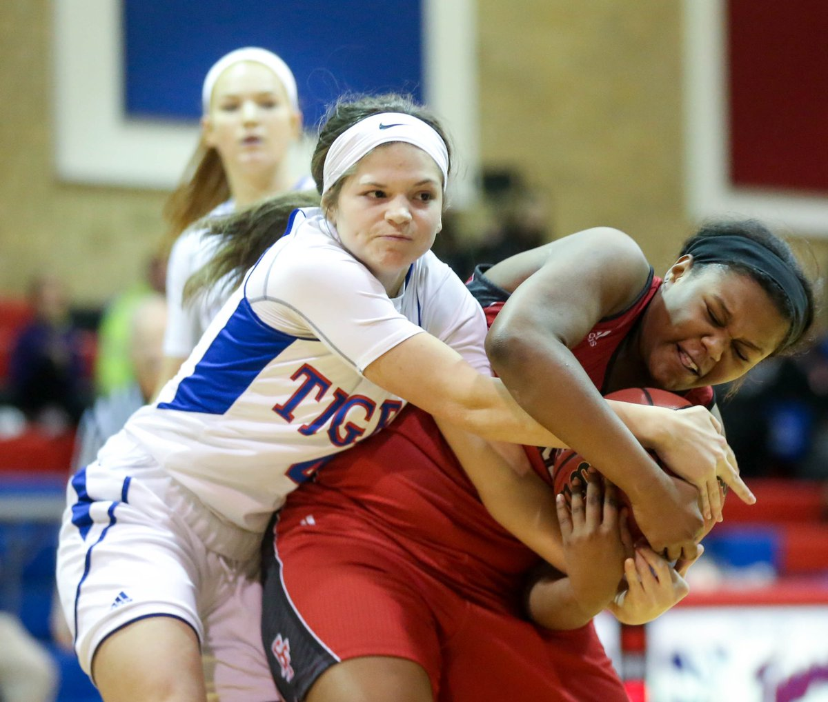 McKeesport's Haley Hertzler and Elizabeth Forward's Bailie Brinson fight for possession of the ball during their game last night at McKeesport Area High School <br>http://pic.twitter.com/bGoFgVFz58