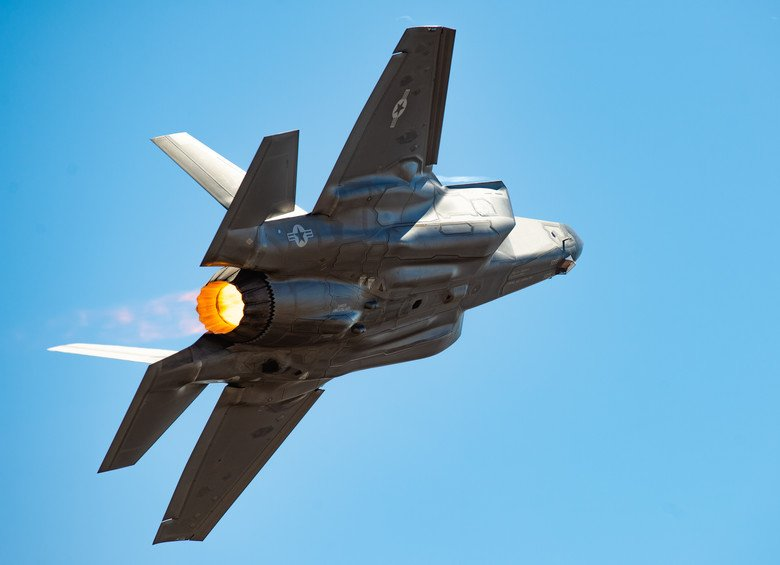 #ICYMI - the F-35 Heritage Flight Team is officially transitioning to the F-35 Demonstration Team for the 2019 air show season taking their current flying profile to new heights!  More at  https:// go.usa.gov/xPJkU  &nbsp;   #F35 #F35DemoTeam @LukeAFB<br>http://pic.twitter.com/Ef8PR0fkYD