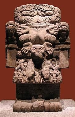 Felicidades a nuestra madre del Tepeyac, a la antigua Tonantzin Coatlicue, madre de Huitzilopochtli y los dioses. En dicha montaña tenía un adoratorio ella y otras diosas de la fertilidad. El sincretismo llegaríay cambiaria de apariencia #Guadalupe #GuadalupeReyesR#12dicembreeyes