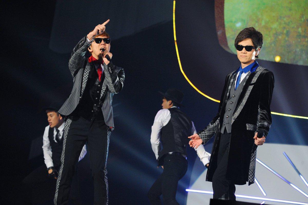 #YTFF ライブイベントのオープニングを飾ったのは HIKAKIN @hikakin さんと SEIKIN @SeikinTVさん😎✨ 11月9日にリリースされた新曲『今』を披露してくれました🎧