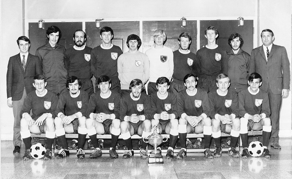 Celebrate Memorial! The Men's National Soccer champs for 1970-71. Recognize anyone? I do. @MUNQEII @MemorialU @MemorialHKR @munhkrsociety