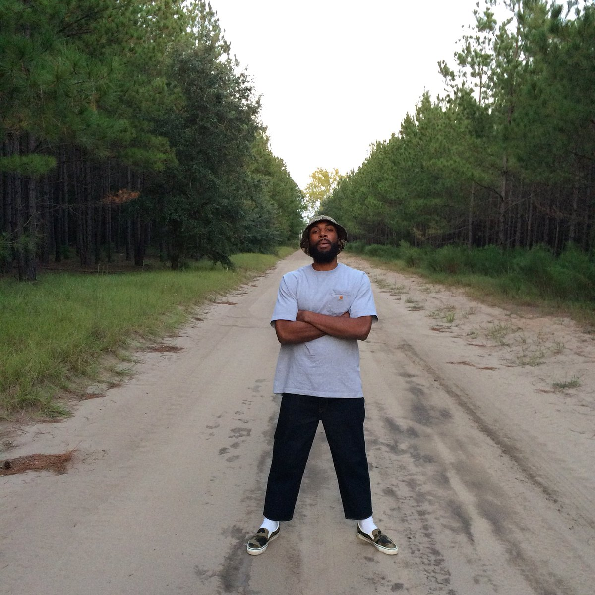 I'm a black, self-taught artist from a rural town with a population of 2,000 people in the Lowcountry of South Carolina, a region known for its slave-based agricultural wealth, cultural heritage, and natural landscapes. Social media is my main way of reaching the masses y'all! <br>http://pic.twitter.com/hUCubM1ghm