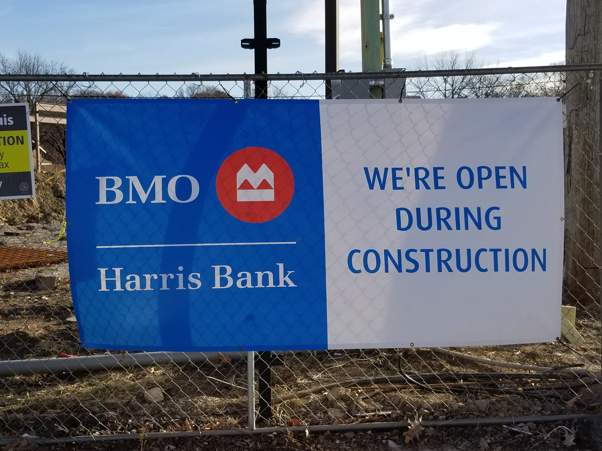 BMO Harris at Southwest and Kingshighway may look closed because of the construction but they&#39;re open! We have staff there ready to take your tax payment and there is no wait! They also have a shuttle that will take you from the parking lot to the bank entrance. <br>http://pic.twitter.com/72bcWezXcQ