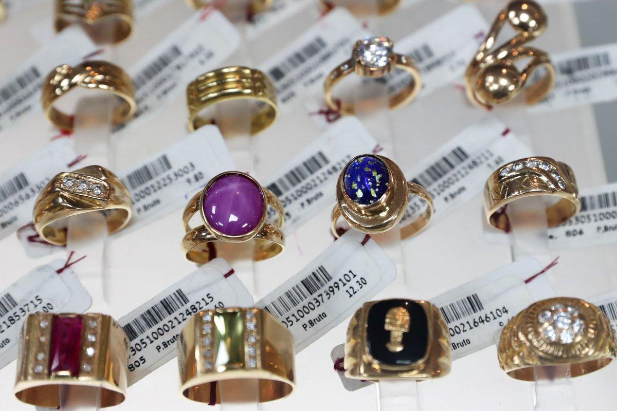 803ee3a1a347 fotogaleria la caja metropolitana pone en exposicion y venta hermosas y  finas joyas de oro foto
