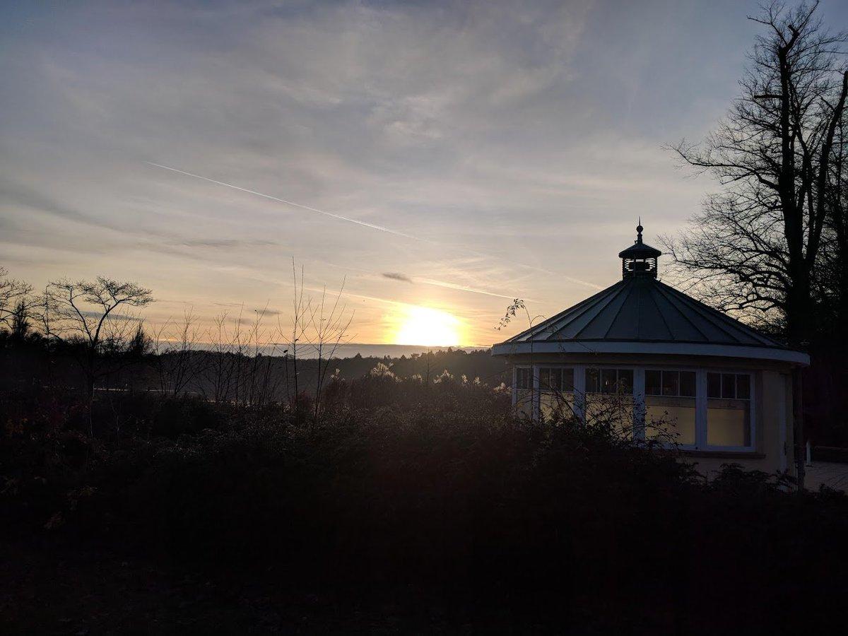 test Twitter Media - #Harburg | Stadtpark an der Außenmühle | Der kleinste Leuchtturm Hamburgs im Dezember 2018. Erleuchtet nur bei beginnendem Sonnenuntergang | Foto: Jens Ullheimer https://t.co/5O3gEiEU1b