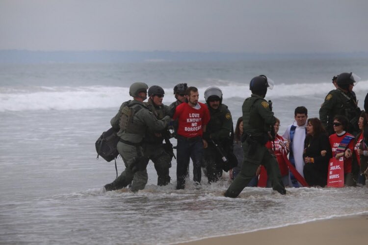 Clergy are being baptized in resistance as they welcome migrants at the border & are arrested byborder patrol. This should be national news, like those who marched w/ MLK for voting rights in Selma.