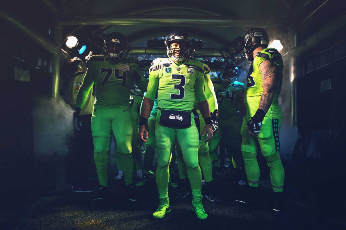 With a win Sunday, we can clinch a spot in the @NFL Playoffs.  #GoHawks    |  https:// shwks.com/n37l3  &nbsp;  <br>http://pic.twitter.com/n4XJU0yNAE