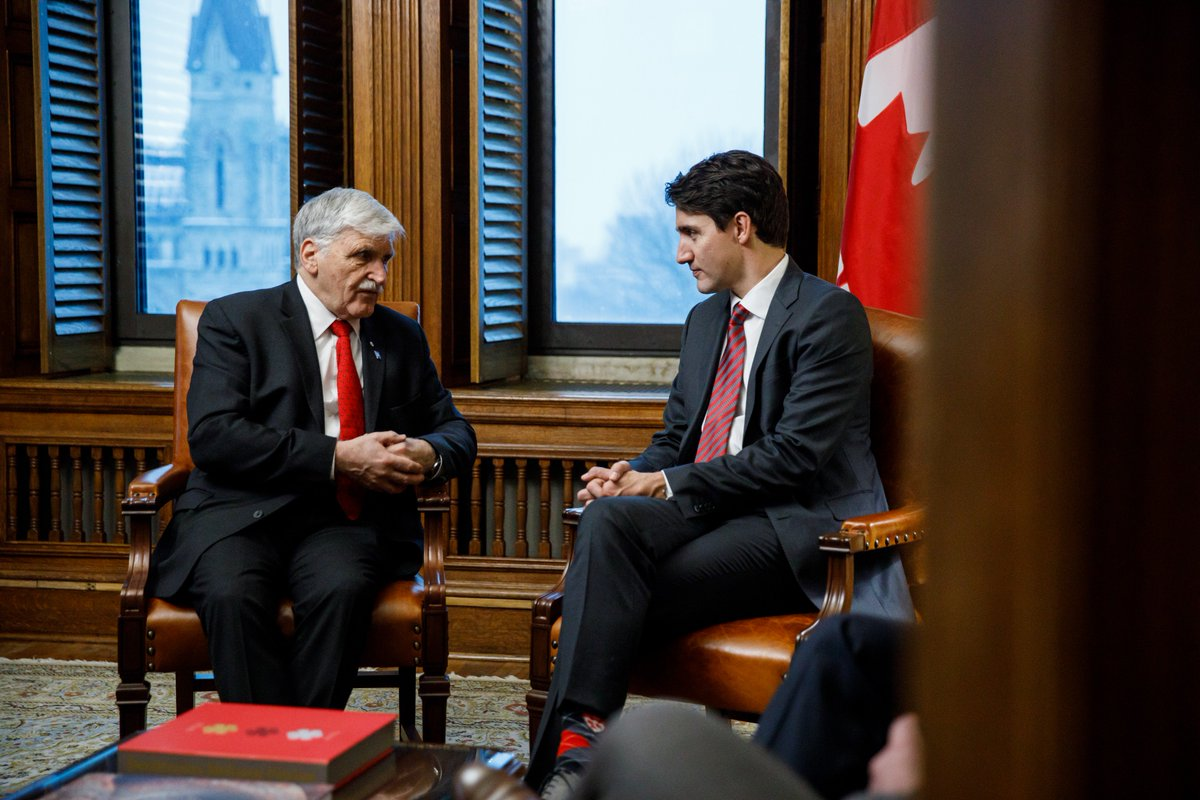The world's commitment to ending the recruitment &amp; use of child soldiers – through the agreement known as the Vancouver Principles – speaks to the immense leadership of LGen Roméo Dallaire. Thanks for the discussion yesterday on that and on Canada's role in peacekeeping issues. <br>http://pic.twitter.com/X1Sski7v3h