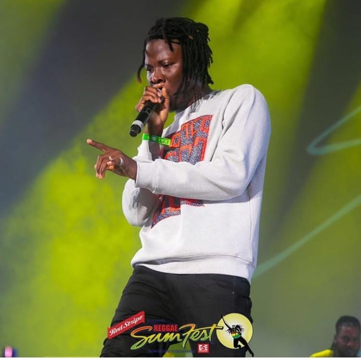Just like Rihanna, Kanye West, Usher, Christopher Brown, Alicia Keys, Nicky Minaj, 50 Cent, Lionel Ritchie, and others were booked in the past .Stonebwoy was also booked to perform at Reggae Sumfest in Montego Bay in Jamaica this year ,as the 2nd African in history. <br>http://pic.twitter.com/m2ngIMIES6