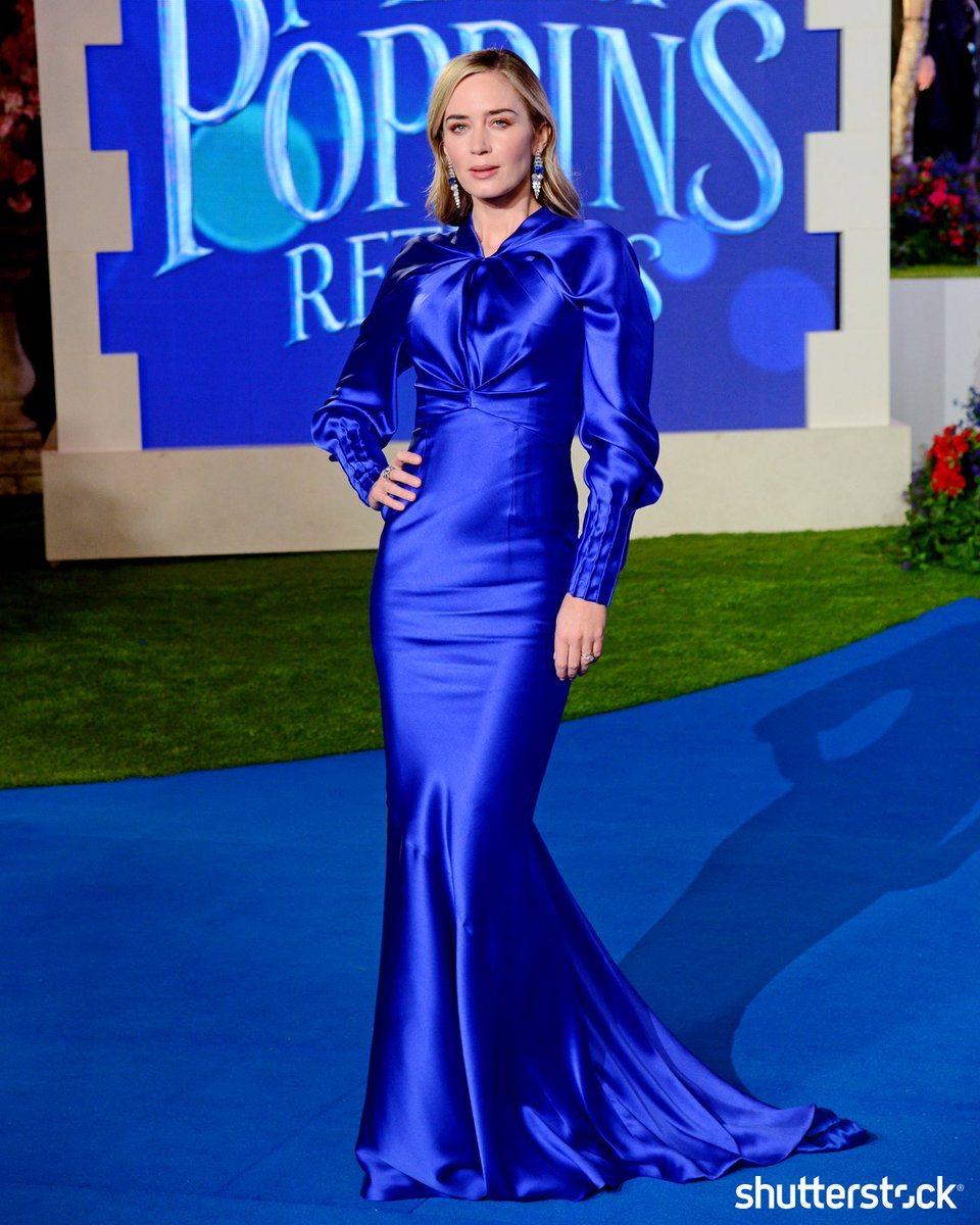 #EmilyBlunt poses during the Mary Poppins Returns film premiere in London + more photos of the day shutr.bz/EditorsPicks | 📸 Richard Young/Shutterstock