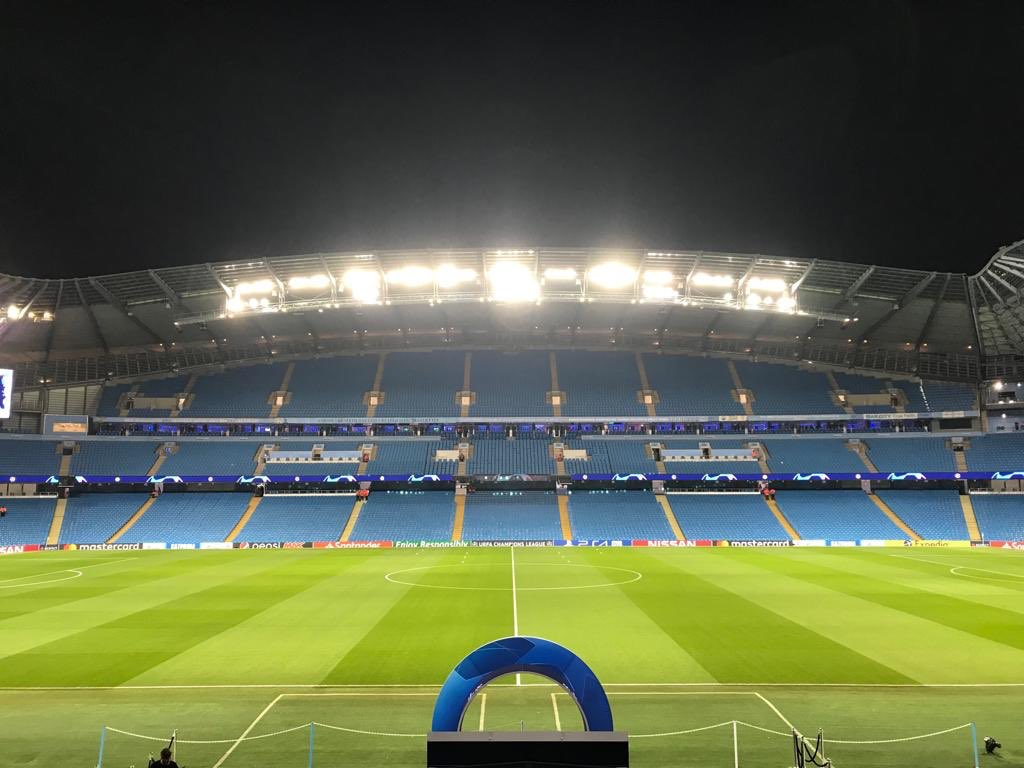 Looking particularly lovely tonight 😍 #cityvtsg #mancity