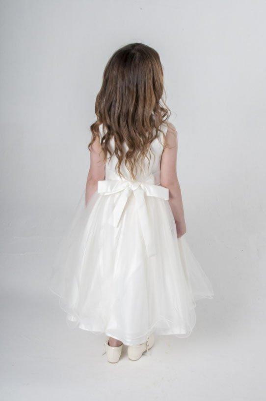 d2cd47c0093 Νέα παραμυθένια φορέματα για τις μικρές σας πριγκίπισσες! Ιδανικά για  πάρτυ, παρανυφάκια, γάμο, γιορτές εκδηλώσεις... https://memoirs.gr/  pic.twitter.com/ ...