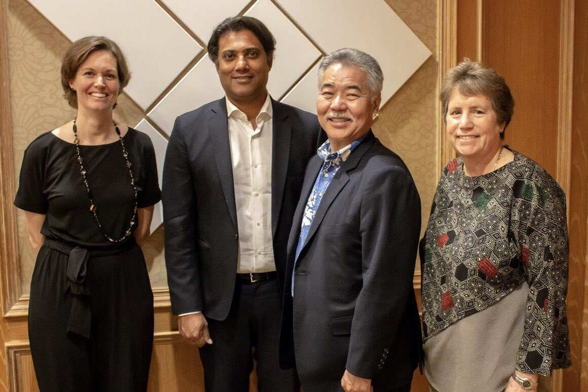 Great meeting yesterday with @GovHawaii and @dlnr Chair Suzanne Case talking about ways to combat climate change and the important contribution Alberta makes to Hawaii's tourism economy. #AlbertaProud that @WestJet is the second largest international ✈️ carrier to Hawaii 🌺