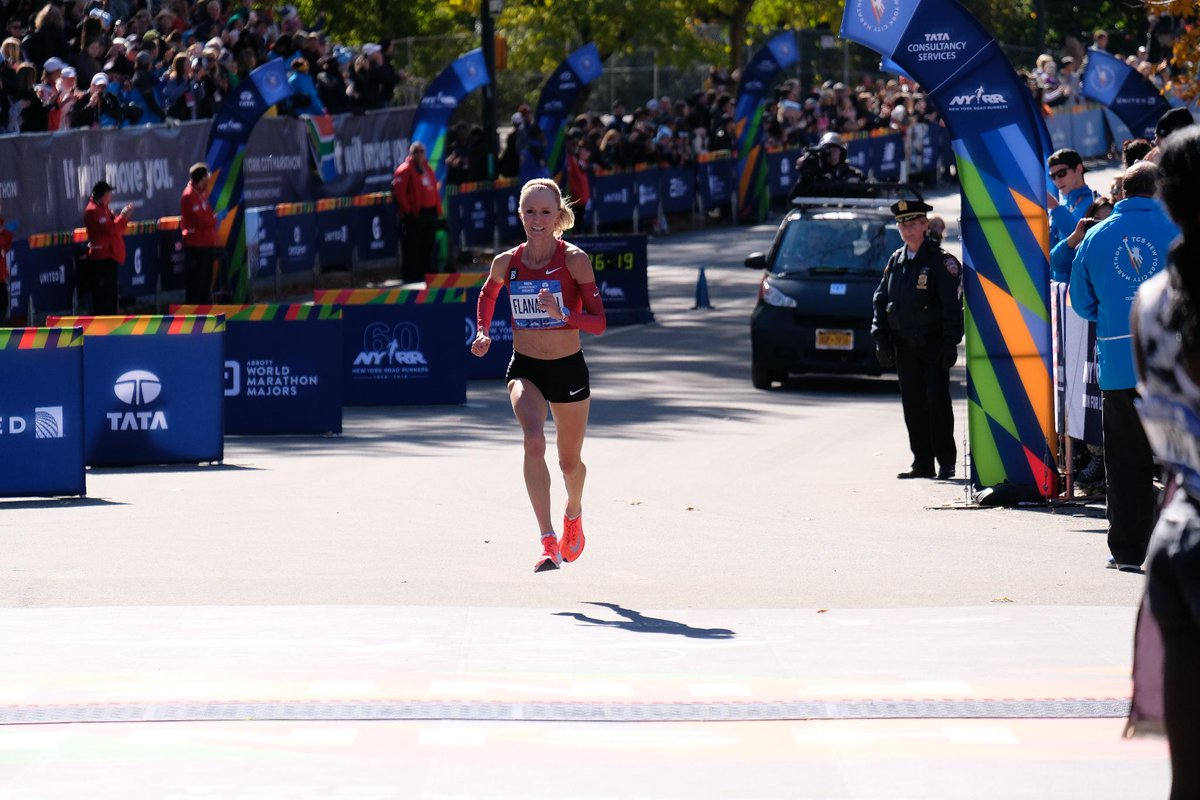 Todays #WorkoutWednesday motivation is brought to you by the one and only @ShalaneFlanagan! Shalane has run the New York City Marathon three times and all three times, she has finished on the podium. Not too shabby! 2010: 🥈 2017: 🥇 2018: 🥉 #TCSNYCMarathon