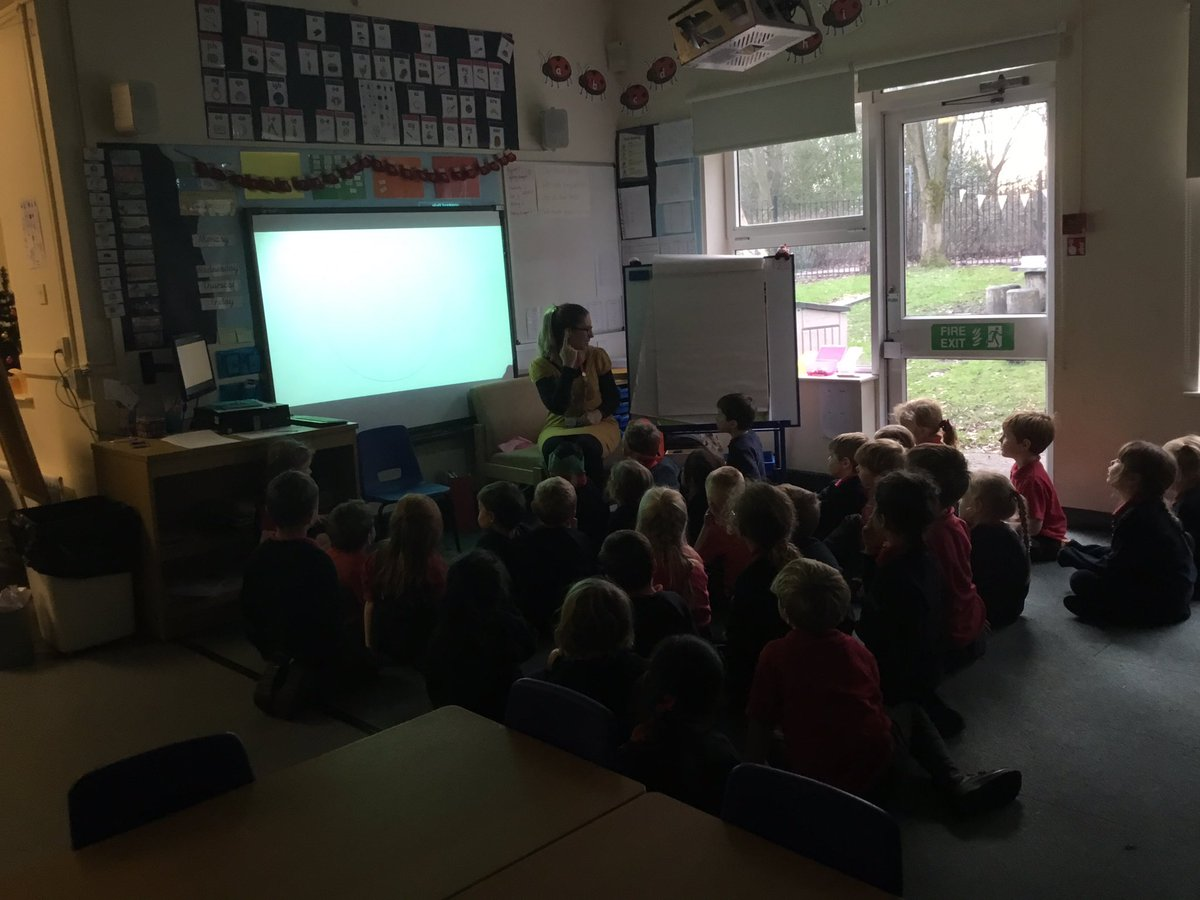 test Twitter Media - A lovely Spanish session this afternoon learning all about the colour names 🔴⚫️⚪️🔵 #gorseylanguages #gorseyy1 https://t.co/Fum0DVevWi