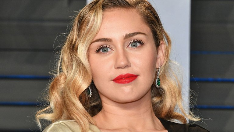 .@MileyCyrus confirms #BlackMirror role https://t.co/vA28lI4YKB https://t.co/incVP8w25i