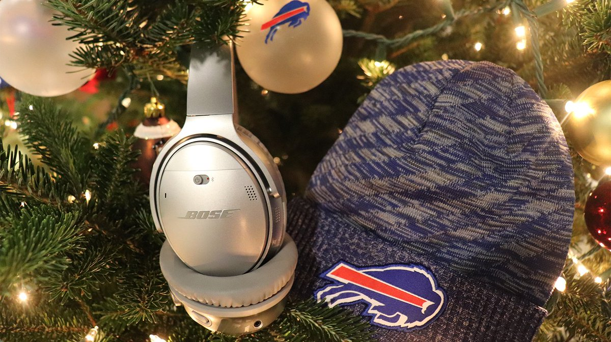 Get the gift of #HolidayFocus.  RT for a chance to win @Bose QC35 II headphones and official team gear!  Rules: https://t.co/DJYhatQwOB