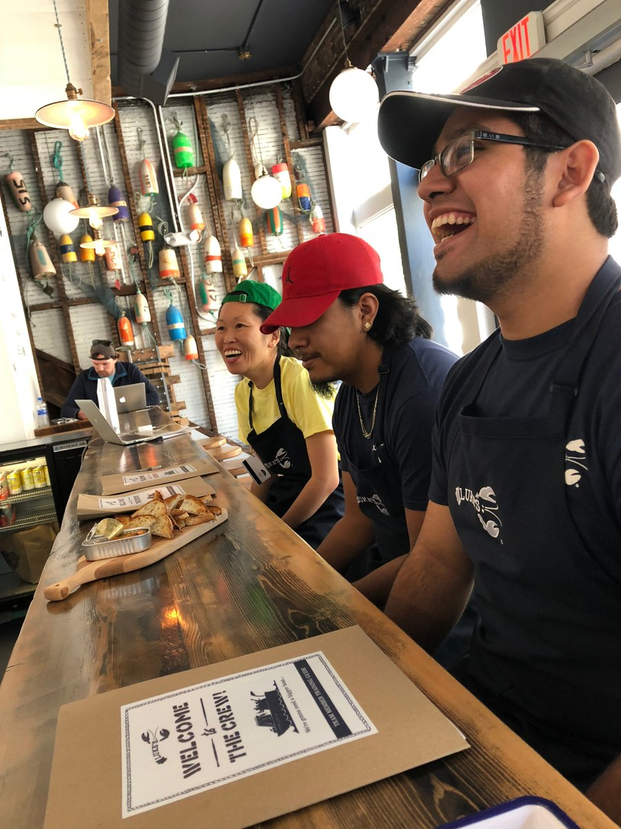 Hey #SoMa! We're looking to hire an AGM, bartender, shift leaders and teammates in our #SanFrancisco shack! Send us your resumes and your friends' resumes and join our team! You could be as happy as these guys. 😃#NowHiring #NowHiringSFShttps://t.co/JxzXLEdK5zF