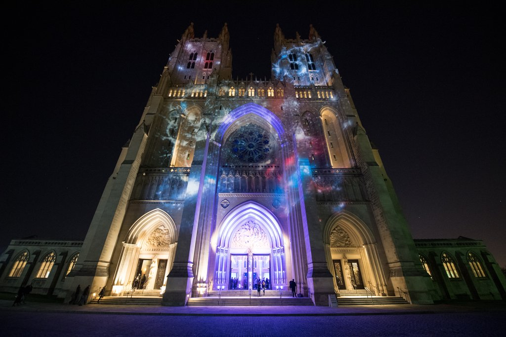 Spirit of Apollo - 50th Anniversary of Apollo 8  at the Washington National Cathedral via NASA  https:// ift.tt/2RWygvR  &nbsp;  <br>http://pic.twitter.com/yKP1XxPScL