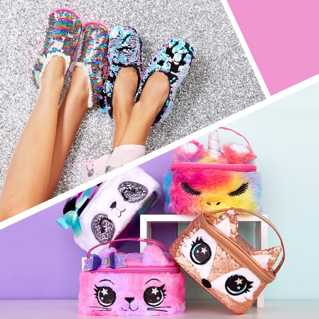 #ClairesGiftingGalaxy won't wait! Critter cases are $12.99 & Sequin Slippers $9.99 today only! Don't forget to let 🎅  know!