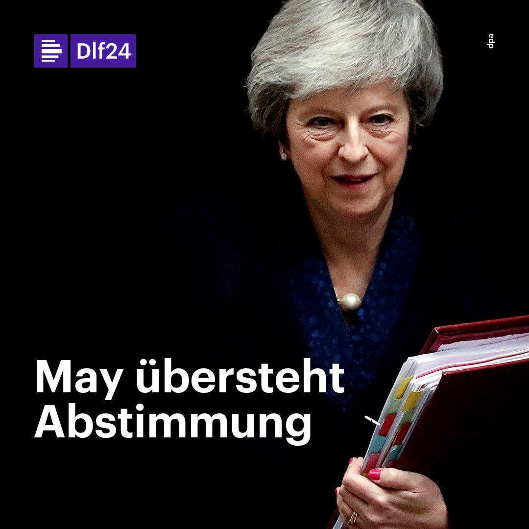 Eilmeldung: Theresa May übersteht Misstrauensvotum in ihrer Partei.
