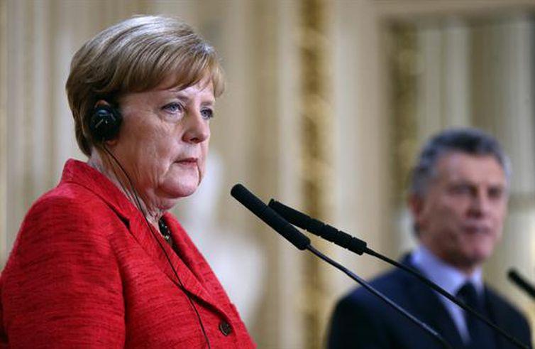 Merkel vê dificuldade em acordo UE-Mercosul com novo governo do Brasil https://t.co/lHloydaugX 📷 EFE ©