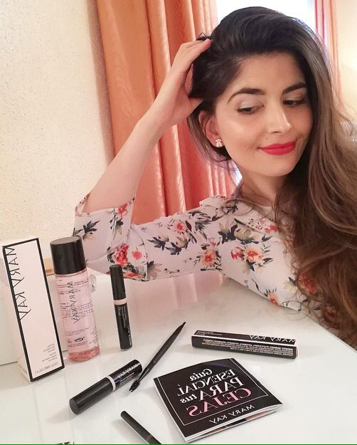 Mi kit para tener unas cejas perfectas 😍 #MisCejasMaryKay #Belleza #Maquillaje #MaquillajeDeCejas @marykayespana https://www.instagram.com/p/BrBZ9n8hTEq/?utm_source=ig_share_sheet&igshid=11oazfgdxr71s…