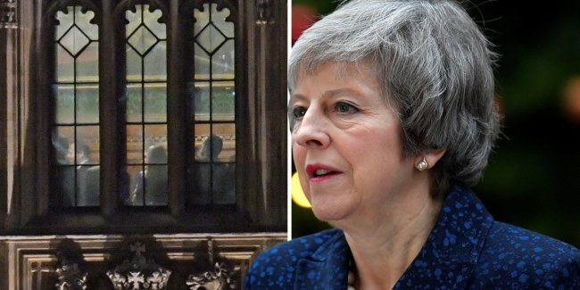 WATCH: Theresa May expected to win confidence vote as Sir Graham Brady announces the results  https://t.co/o55uQQWXqr