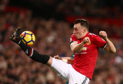 Phil Jones with a great finish...past his own goalkeeper  👀  #UCL #VALMUN