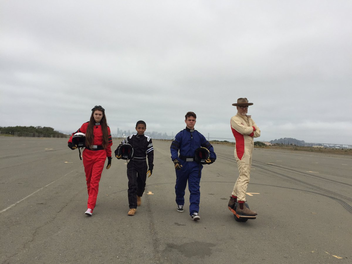 Are you ready? #MythBustersJr premieres Wednesday, Jan. 2, at 9P on @ScienceChannel.