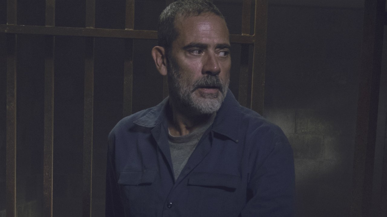 The Walking Dead star Jeffrey Dean Morgan is officially returning to Supernatural.   https://t.co/YbE5pfD96W https://t.co/QsD5dOsXMQ