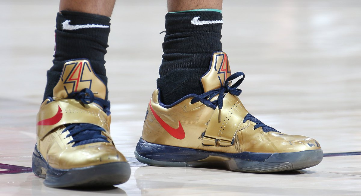 """new photos 4edcf 0082d  solewatch   therea1djones in the """"gold medal"""" nike kd 4 against the jazz.  📸   lissa363"""