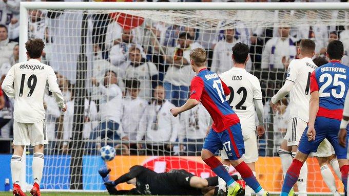 [#DEPORTES] Lyon se clasifica y el CSKA de Moscú se despide goleando al Real Madrid en la Liga de Campeones Photo