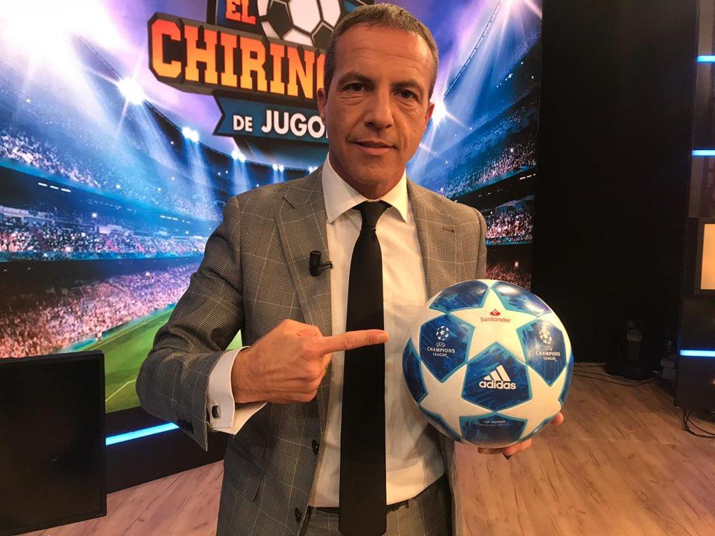 Hoy los aficionados del real de madrid participan...??? Jajajajajajaja me meo de la risa Para mí #JugadorSantander HOARAU que vaya dos golazos a la Juve de serresiete ¡Muy bueno lo de @FutbolSantander!