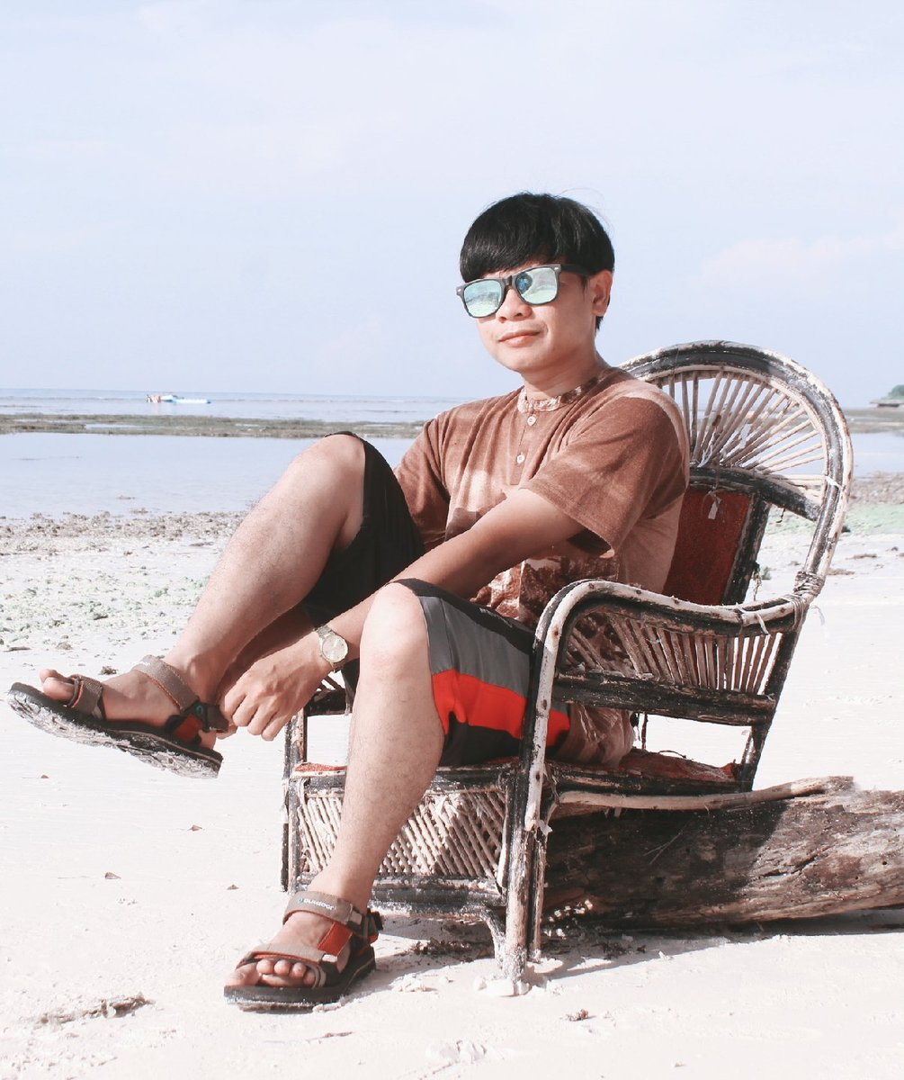 When the act begin.,. . . #beach #smile #island #brightday #moment #pict #sands #holiday #oes #oesangster #gantengindo #welivinglifepic.twitter.com/A1u0nKMJ3I