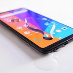 Image for the Tweet beginning: Liquipel review: can the OnePlus