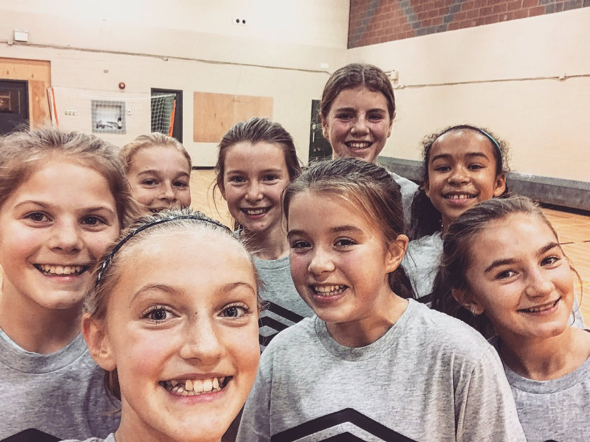 The girls challenging the boys to a SAP Selfie 🤳😁⚽️ #OverToYouBoys #SAPSelfie #Kingston #CanadaSoccer #UnitedWePlay