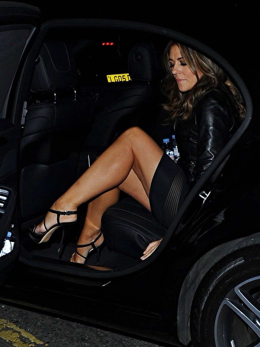 elizabeth-hurley-spreading-legs-carolina-ass