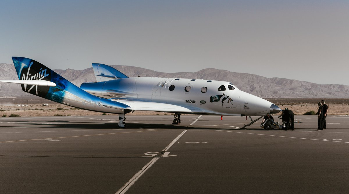 2. The iris of Professor Stephen Hawking's eye is featured on the side of SpaceShipTwo.