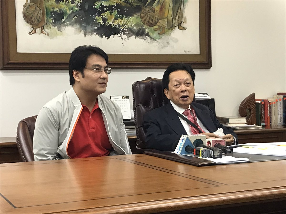 Ongoing press conference of Atty. Estelito Mendoza, almost a week after the Sandiganbayan acquitted his client former Sen. Bong Revilla of plunder re: pork barrel scam. | @teejroxas https://t.co/bEmVg8Um1m