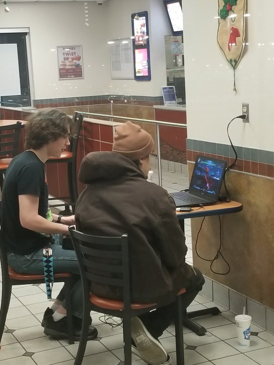 Come to the white castle in south saint paul if you want an ass kicking in unist <br>http://pic.twitter.com/ROnc2rOGCM