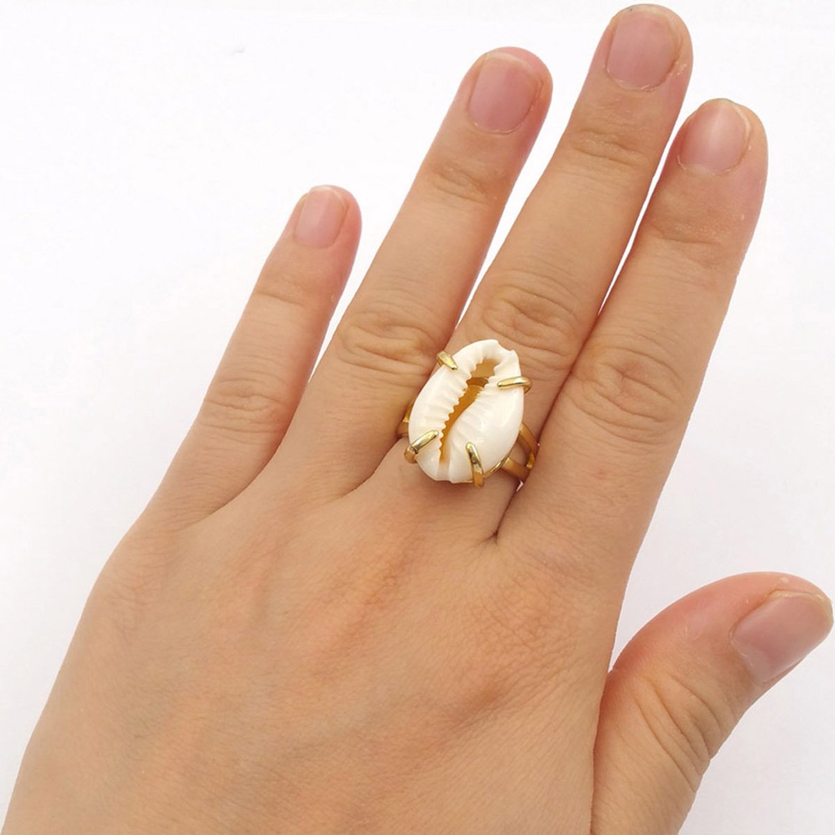 Simple design, cowrie shell rings jewelry#ring #jewelry #wedding #etsyjewelry <br>http://pic.twitter.com/JXCngJD4Zi