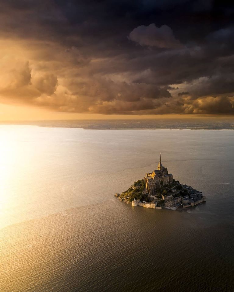 Mont Saint Michel - one of the most beautiful travel destination in France <br>http://pic.twitter.com/08kYksODSM